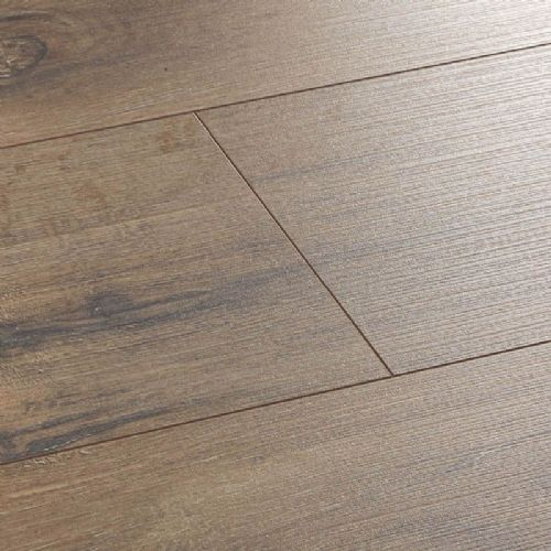 Wembury Wild Oak Laminate Flooring With 4V Groove